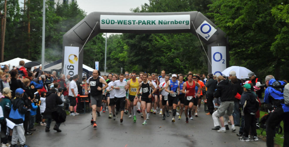 Start der Runner beim FunRun S�dwest 2011 in N�rnberg